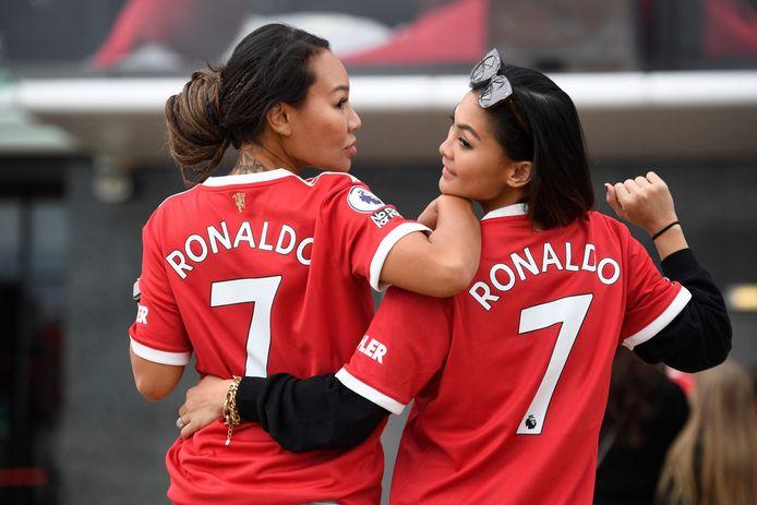 Manchester United-fans in hun Cristiano Ronaldo-shirts.