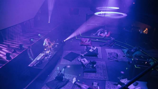 DJ Pauluz uit Zwolle over clubavond in Hedon waarbij mensen doodstil in kussens liggen: 'Dit slaat aan'