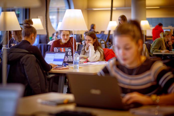 Het aantal studenten op Tilburg University groeide hard, de afgelopen jaren