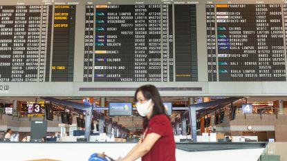 Kunnen we deze zomer op reis? Covid-19-paspoort brengt misschien redding