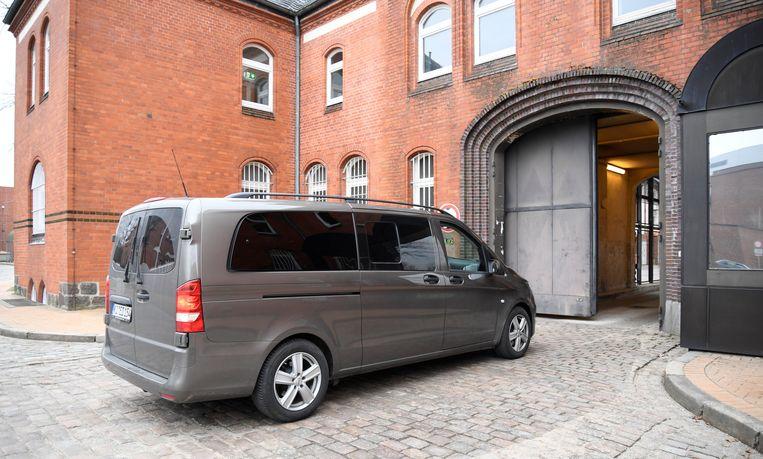 Puigdemont werd deze namiddag naar de gevangenis van Neumünster overgebracht. Beeld REUTERS