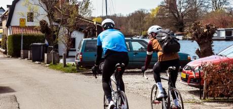 Vecht-bewoners zijn wielrenners spuugzat: 'Elke keer weer hopen dat je nog op tijd opzij kunt springen'
