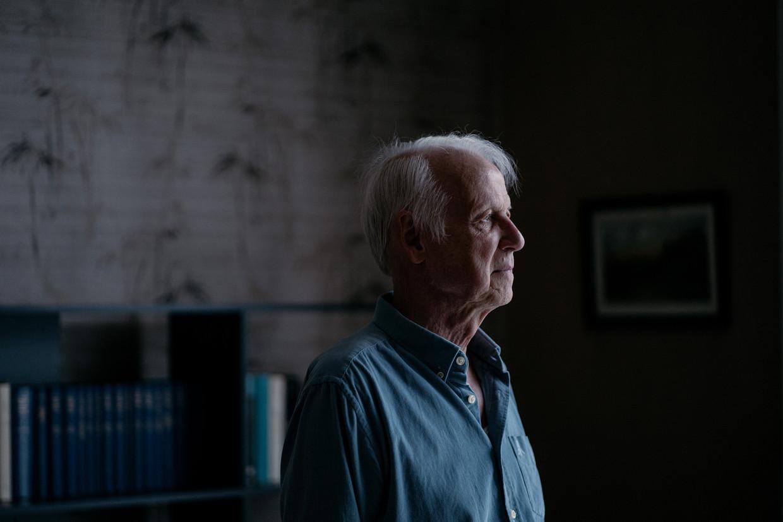 Professor Van Rillaer over zijn ziekte: 'Als de behandeling voor mijn prostaatkanker niet aanslaat, dan ziet het er slecht uit. Maar ik ben een stoïcijn, ik ben niet bang om te sterven.'   Beeld Wouter Van Vooren