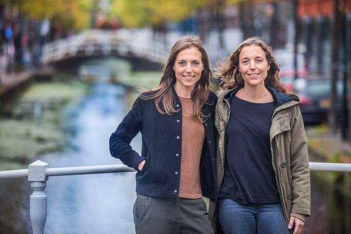 Femke en Ilse van Velzen in Delft.