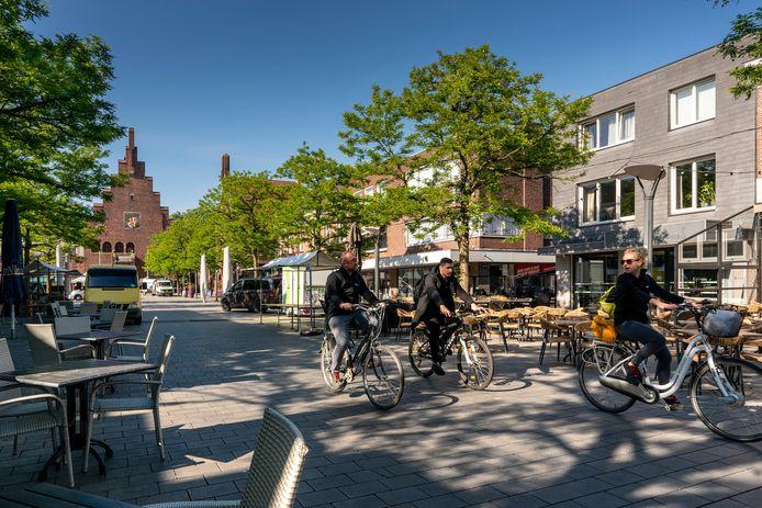 N Het was door de coronacrisis een lange tijd stil in het centrum van Waalwijk. Veel ondernemers likken nog de wonden.