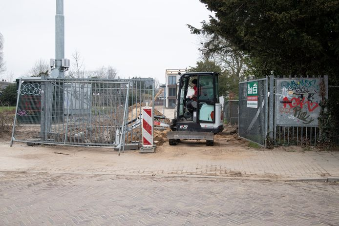 De werkzaamheden bij de Van Beethovenstraat in Nijmegen, waar eerder ook al botresten werden gevonden.