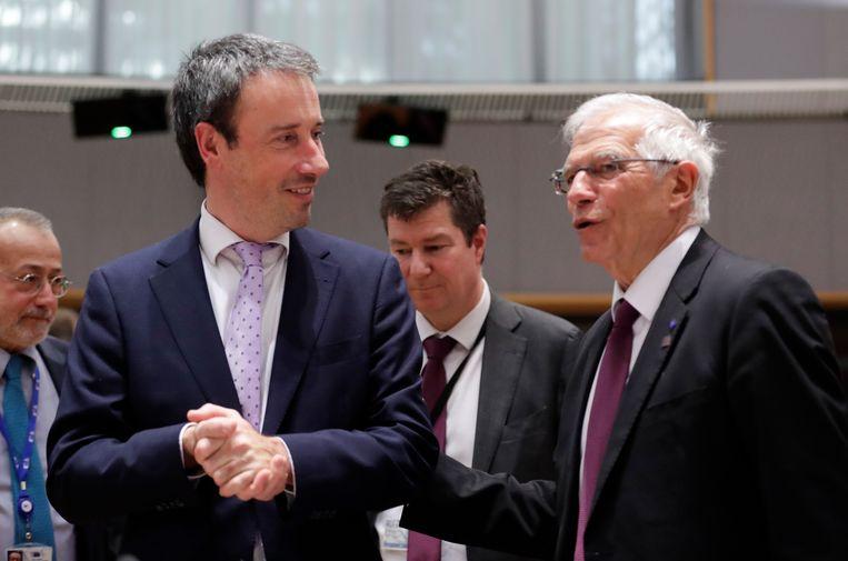 Minister van Buitenlandse Zaken Philippe Goffin (links) met Josep Borrell, de Hoge vertegenwoordiger van de Unie voor buitenlandse zaken en veiligheidsbeleid, tijdens een buitengewone vergadering van Raad Buitenlandse Zaken. (10/01/2020).