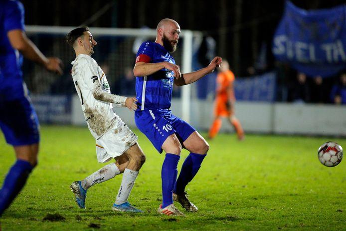 Verliest Svelta Melsele zijn voortrekker en aanvoerder? Stijn Vinck weet nog niet of hij volgend seizoen nog zal voetballen.