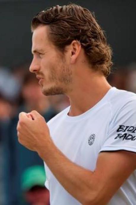 Koolhof klopt Hewitt: 'Mooi om van legende te winnen'