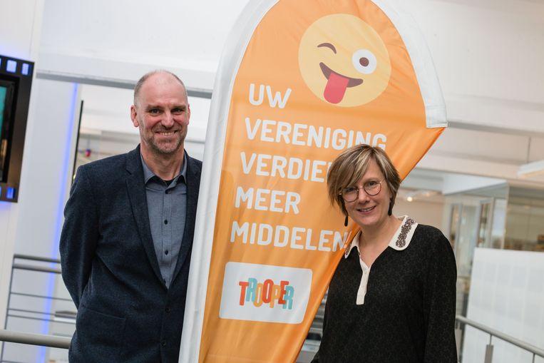 Hans Bourlon en Elisabet Lamote willen met Trooper miljoenen euro's inzamelen voor verenigingen. Beeld Studio 100