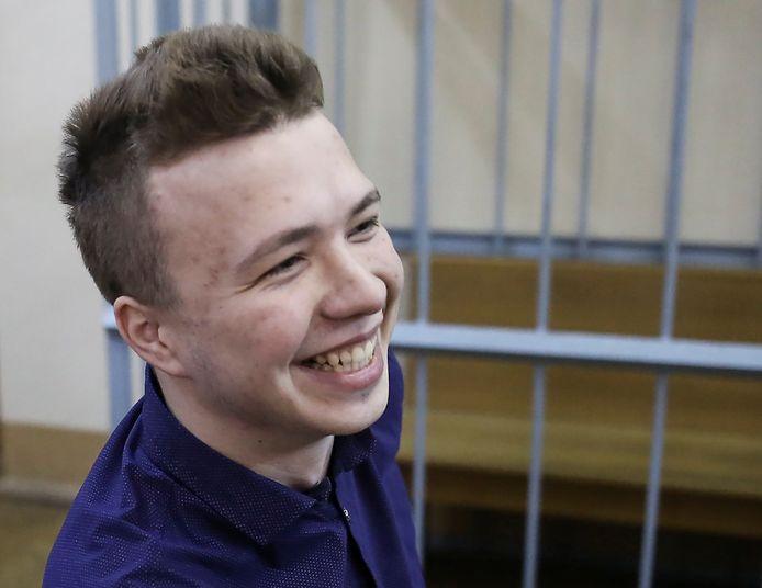 Het Wit-Russisch regime sleepte Roman Protasevisj al in 2017 voor de rechter. Hij had deelgenomen aan een 'verboden' protestactie.  Twee jaar later verliet hij zijn geboorteland.