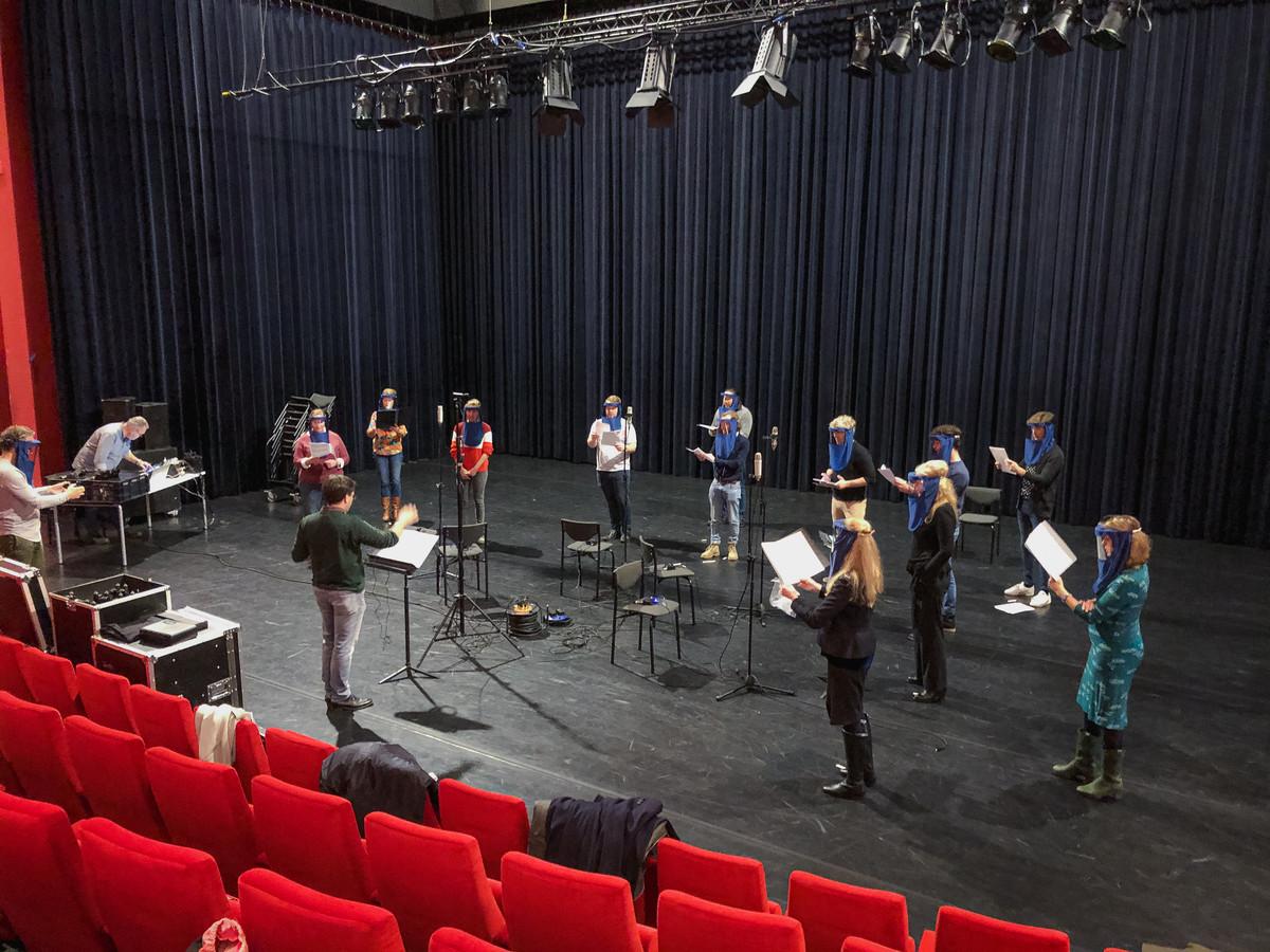 Consensus Vocalis tijdens de test in de Schouwburg Hengelo