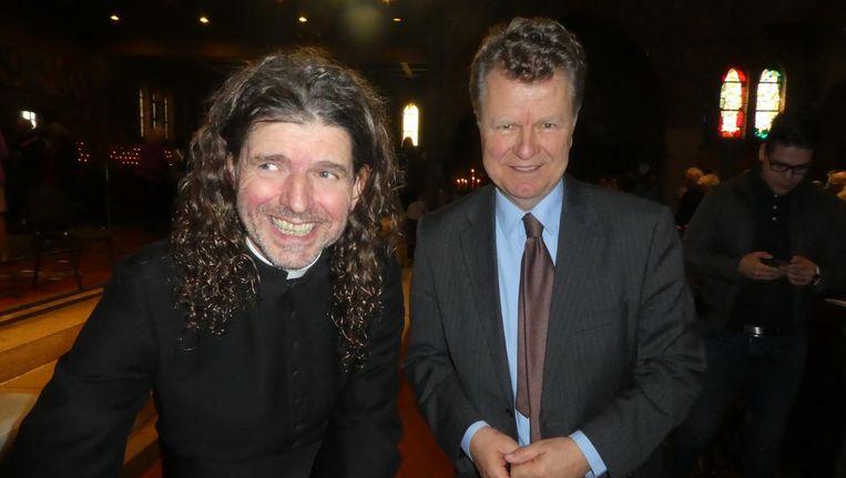 Pastor Pierre Valkering zondagochtend samen met oud-politicus Boris Dittrich. Beeld Hans van der Beek
