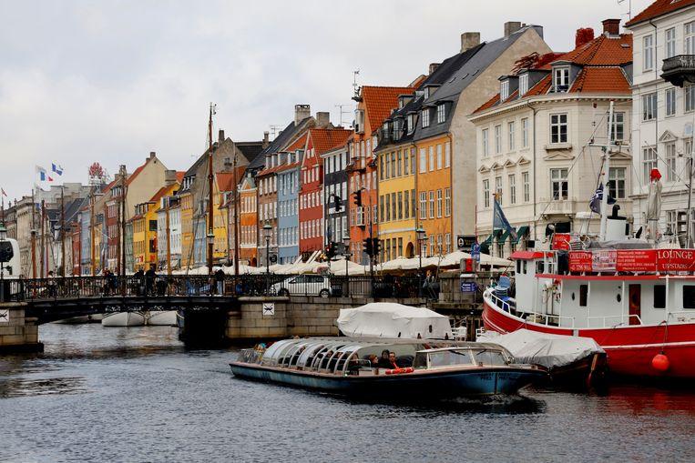 Een van de leukste manieren om Kopenhagen te leren kennen, is per boot. Beeld REUTERS