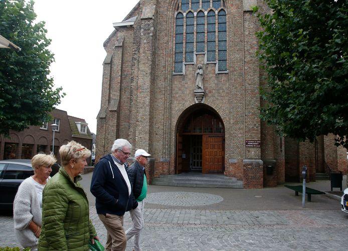 De Johannes de Doperkerk aan de Oude Kerkstraat in Sluis blijft behouden, door wonen en een kapel te combineren in het  gebouw.