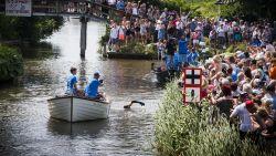 Wat een prestatie: zwemmer Van der Weijden voltooit Elfstedentocht en haalt ruim 3,9 miljoen euro op