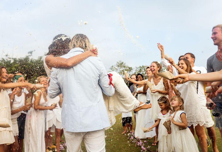 Huwelijken zijn vanaf morgen toegestaan met 50 personen. Maar wat er in augustus mag, is nog niet duidelijk. Beeld Getty Images