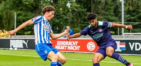 FC Eindhoven verwelkomt 25-jarige Hongaar op proef en zwaait zoon van oud-PSV'er uit
