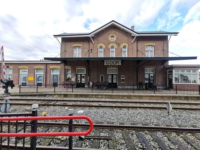 Station Goor voor de schilderbeurt.