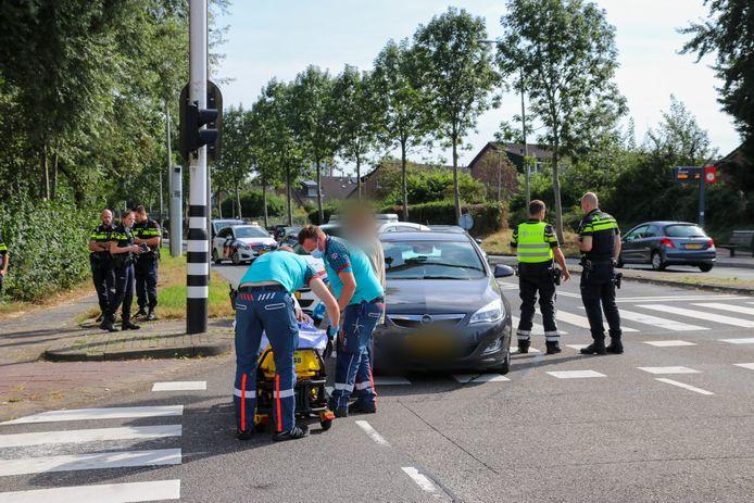 Dinsdagmiddag is een fietster in botsing gekomen met een auto op de kruising van de Zegwaartseweg.
