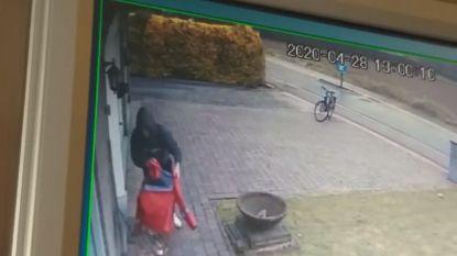 Man steelt bpost-vestje dat vrouw buiten hangt als eerbetoon aan overleden collega