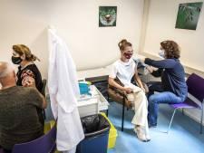 LIVE   Laagste aantal coronapatiënten in ziekenhuizen sinds september, minder dan 700 besmettingen