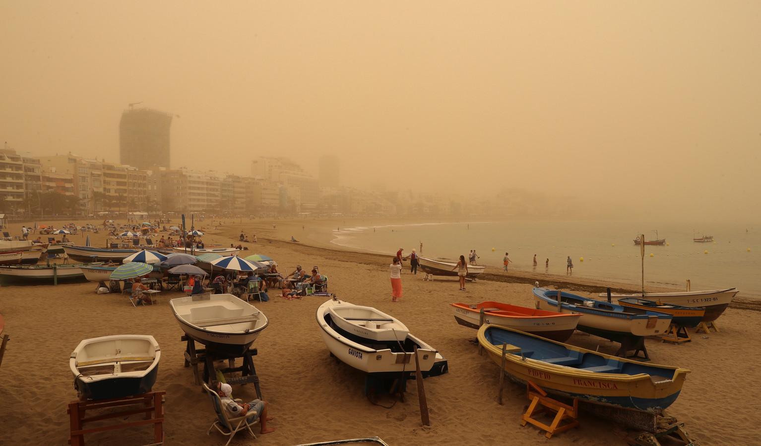 Las Palmas wordt overspoeld door Saharazand.