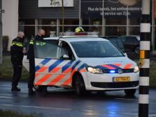 Vrouw slingert over rijstroken en berm A73 en ramt middengeleider en stoepranden in Nijmegen