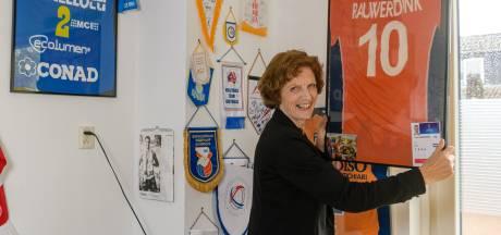 Wieneke Rauwerdink, moeder van volleyballer Jeroen: 'Wanneer ze achterstaan, loop ik wel eens even weg'