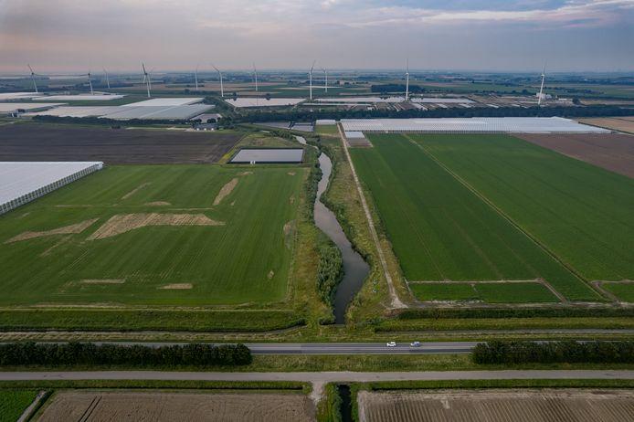 AFC Nieuw Prinsenland bij Dinteloord vanuit de lucht.