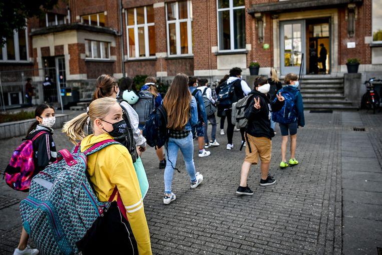Kinderen van de middelbare school Technisch Atheneum Horteco in Vilvoorde.  Beeld BELGA