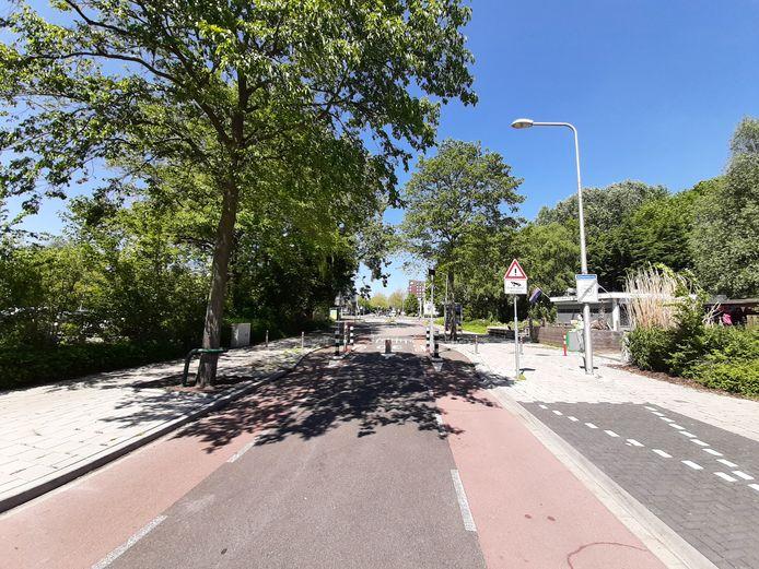 De afgesloten Ambachtsweg in Wateringen.