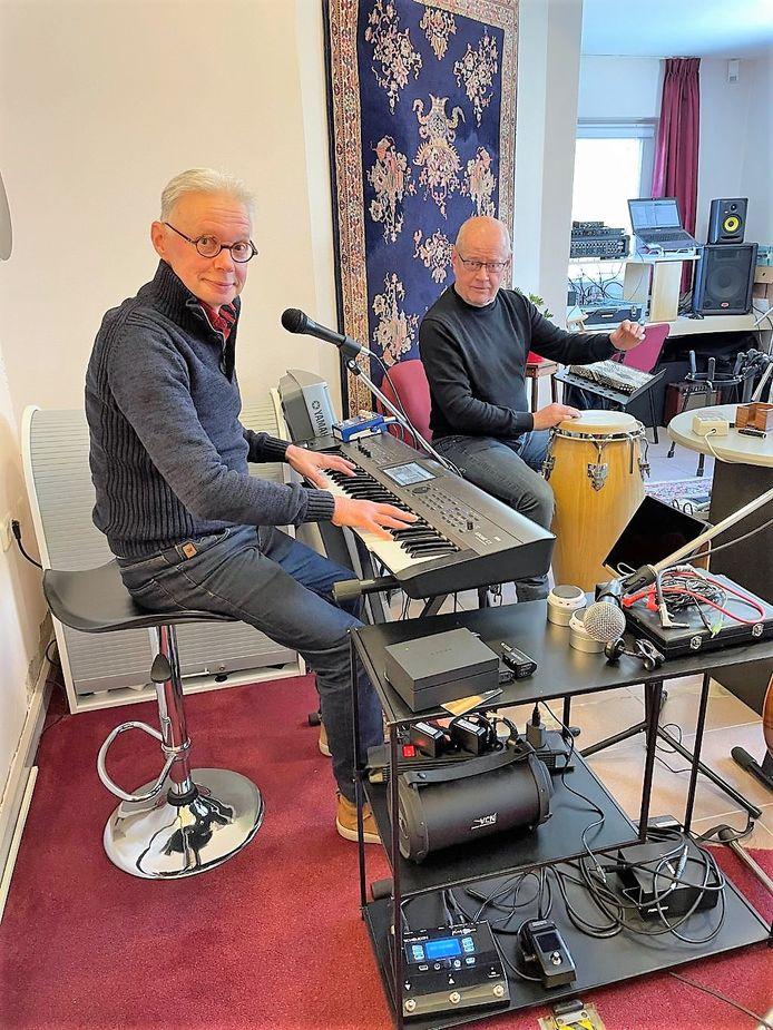 Joost Quint en Huub Remmen in de studio.