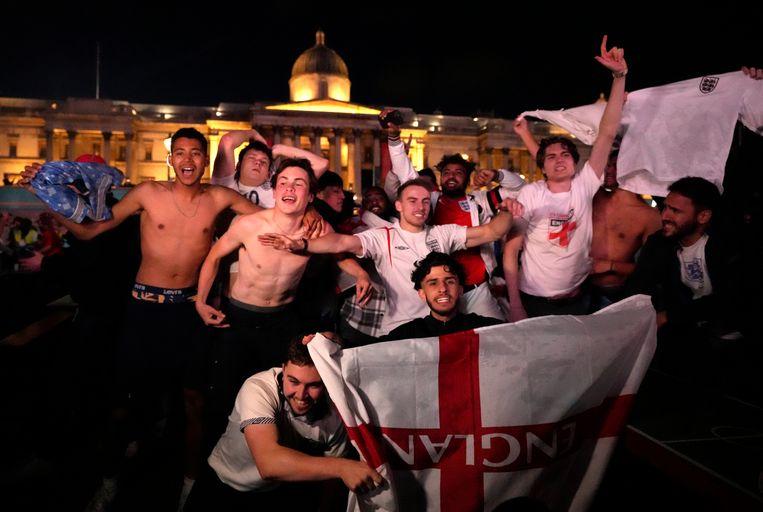 Engelse fans na het behalen van de EK-finale.  Beeld AP