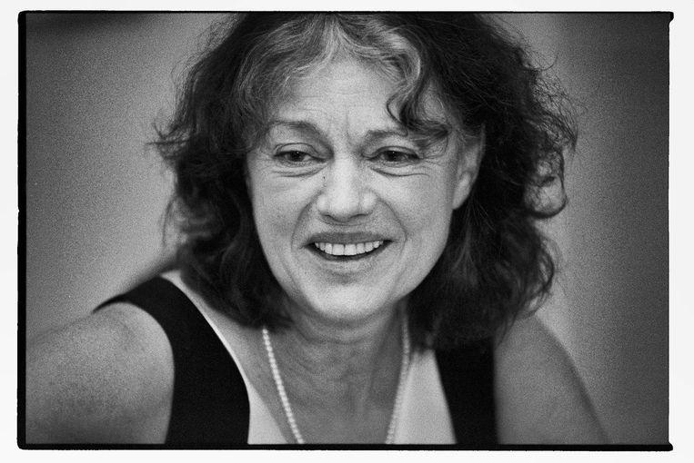Eva Bal 'heeft de eerste voorstellingen voor en mét kinderen gemaakt. Daarna is het jeugdtheater ontploft.' Beeld Martijn Bal