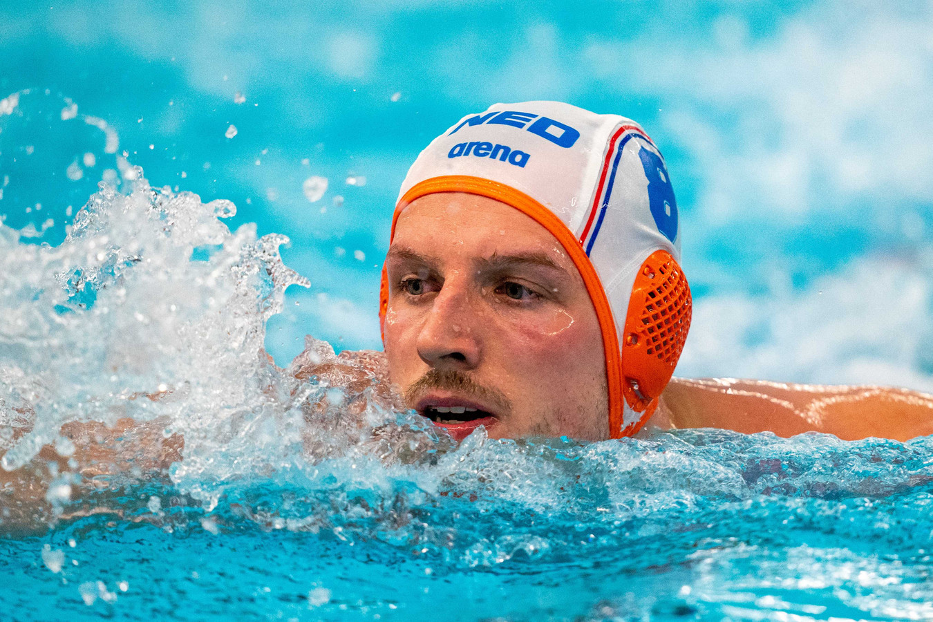 De Ambachtse waterpoloër Jesse Nispeling speelt volgend seizoen voor topclub AZC.