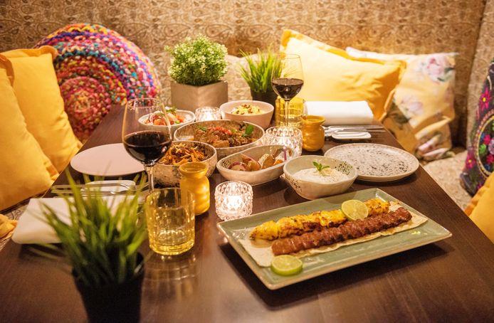 Verschillende gerechten uit de Perzische driegangenproeverij van restaurant Saffraan.