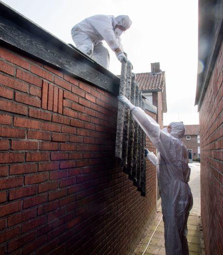 Goorse wijk vervangt zélf asbestdaken en pakt ook schuurtje van meneer Wunderink (89) mee: 'Met zulke buren kun je alleen maar heel blij zijn'