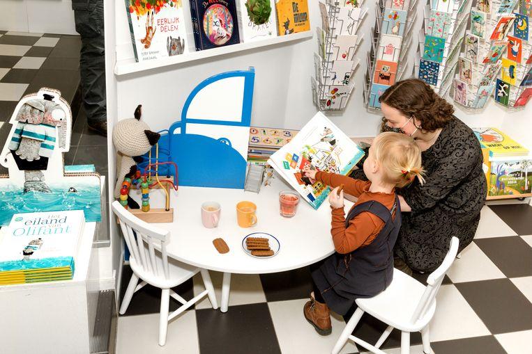 In kinderboekenwinkel de Boekenberg in Eindhoven. Beeld Sas Schilten
