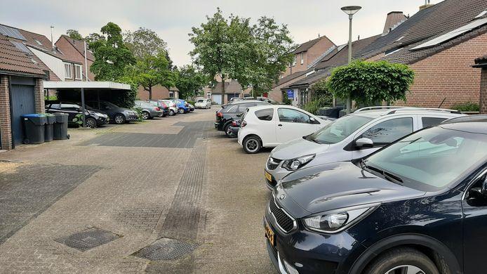 In bestaande woonwijken zoekt de gemeente Harderwijk juist oplossingen voor een tekort aan parkeerplaatsen zoals in een aantal straten in Stadweiden.