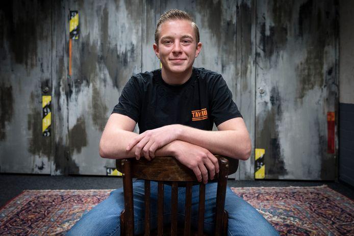 Mike van Haren in de studio van het Waalwijkse jongerencentrum Tavenu, waar hij als dakloze jongere tijdelijk opgevangen werd.