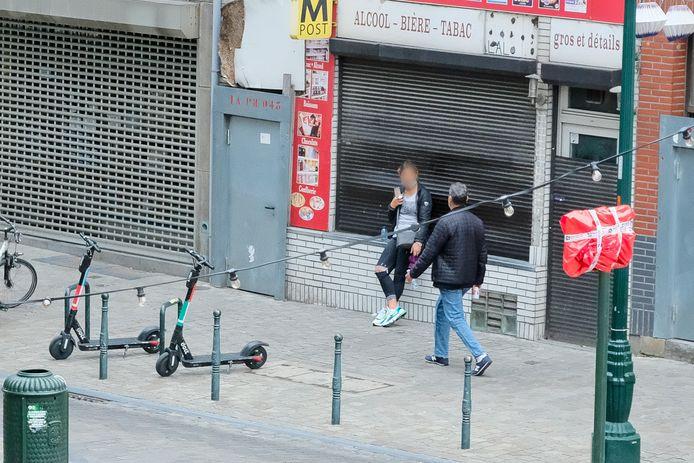 Straatprostitutie in de Alhambrawijk is helemaal terug van weggeweest.