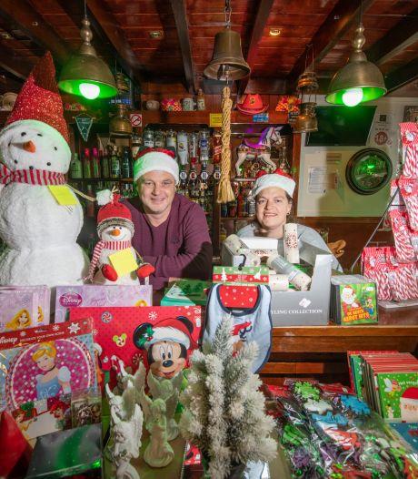 Van kroeg naar kerstwinkel: Café de Schimmel tovert om tot magische kerstwereld in Apeldoorn-Zuid