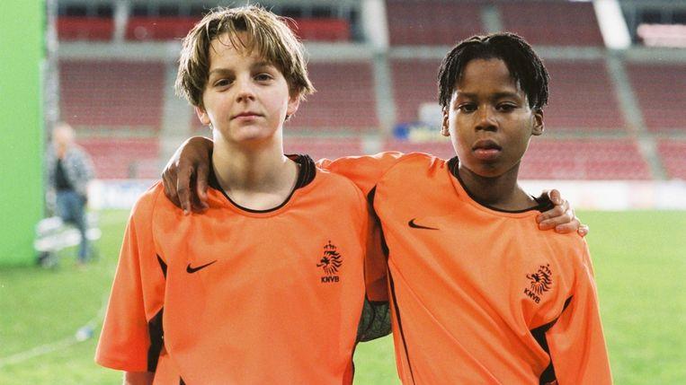 Yannick van de Velde en Dionicho Muskiet in 'In Oranje' van Joram Lürsen. Beeld