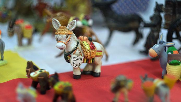 Een miniatuur taxi-ezeltje.