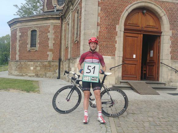 Milan Thomas op de Muur, na zijn 51 rondjes van 3,3 kilometer.