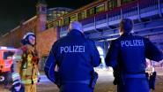 Fles uit Duitse 'feesttrein' geworpen: meisje (2) in levensgevaar