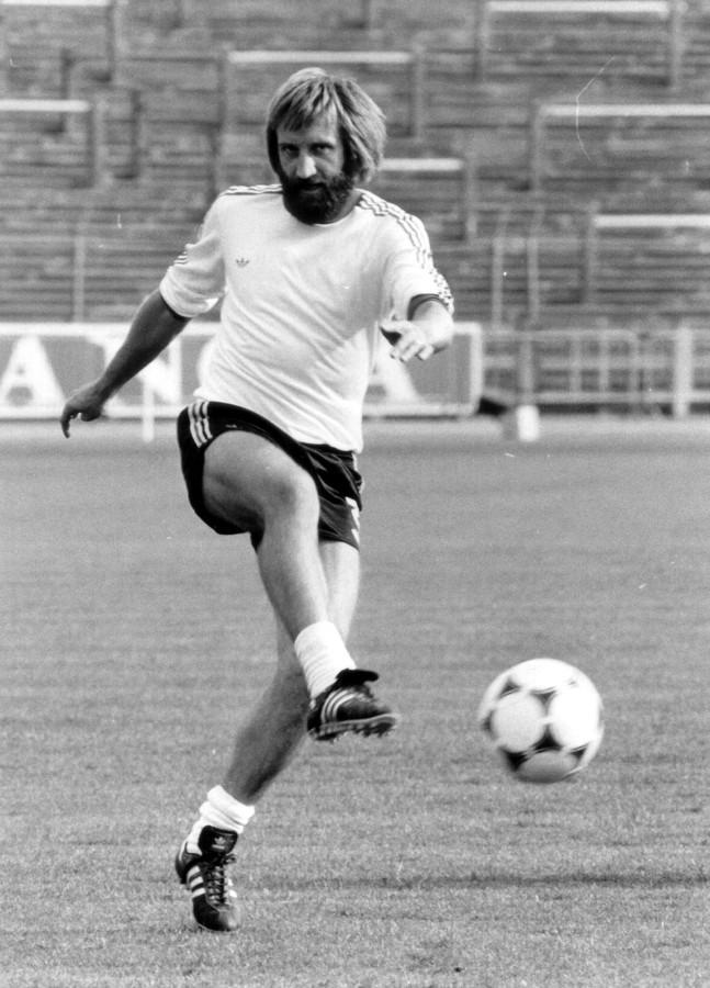 Luc Millecamps verzamelde 35 caps en offerde voor het voetbal al zijn 'congé' op.