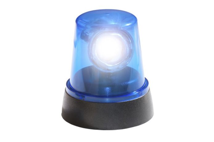 De bestuurder van een trike (driewielige motorfiets) kreeg ook een onmiddellijke inning voor het gebruik van blauwe, flikkerende ledverlichting vooraan op het voertuig (dat is enkel toegelaten voor hulpdiensten).