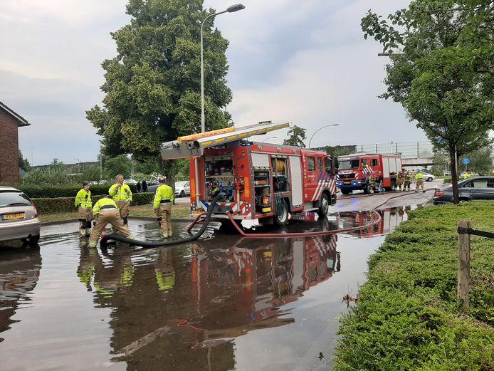 Wateroverlast, eerder aan de Jonkheer de la Courtstraat in Vlijmen